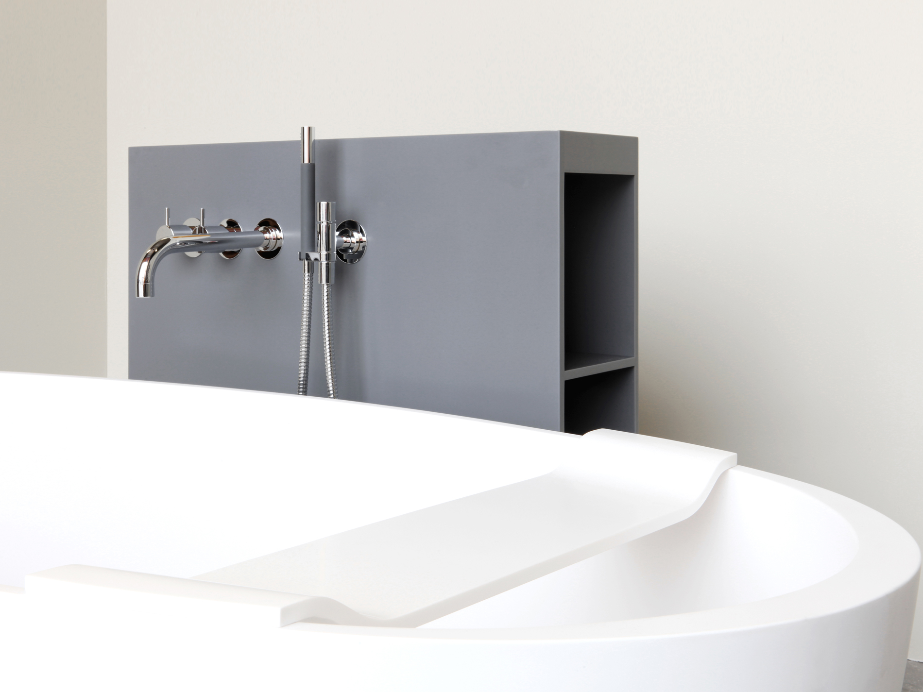 Verse The Verse element has been designed to complement the Loop and Axis  freestanding baths  The central purpose is to accommodate a wall mounted  tap but. Loop   Not Only White