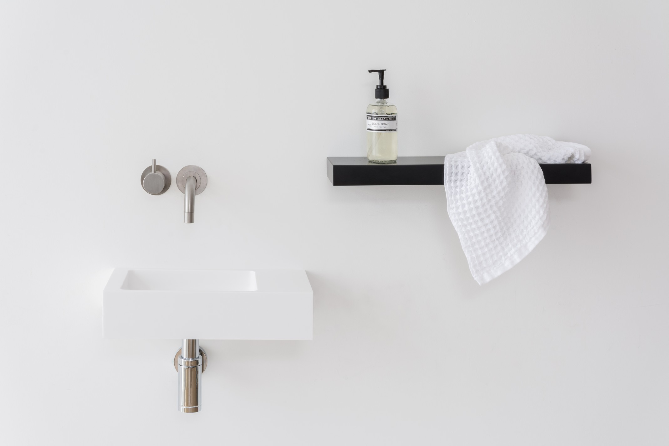 Mi Can Be Used For Your Favorite Accessories And Is Available In A Range Of Hi Macs Colours To Brighten Up Bathroom